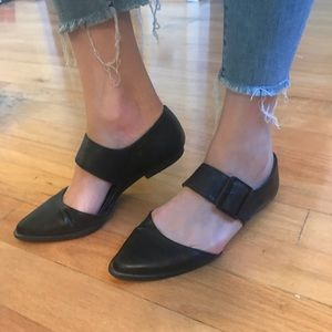 Kenneth Cole Reaction Pointed Toe Buckle Flats